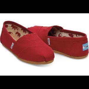 Toms 9 Red Canvas Shoes Espadrilles Classic